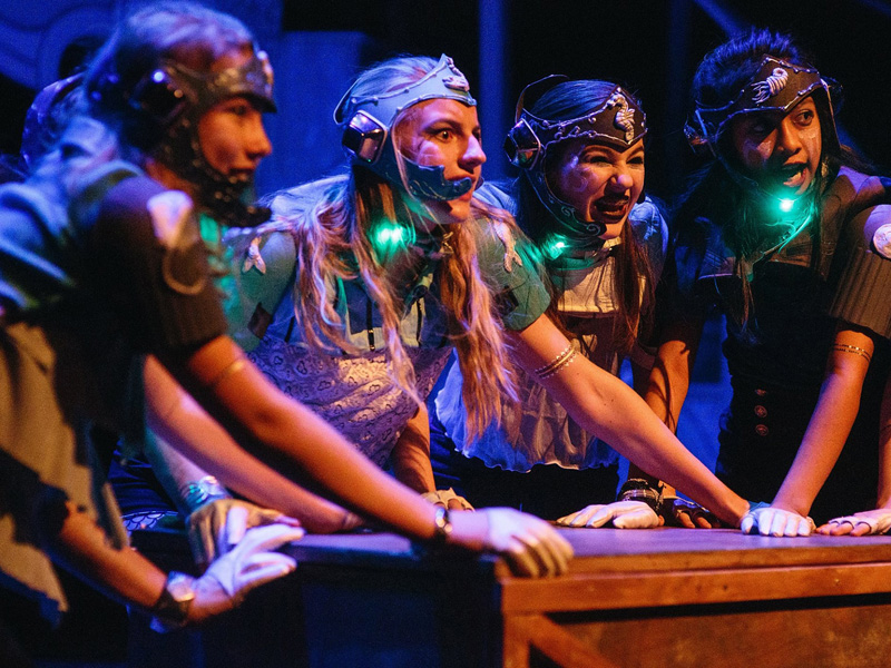 Calgary Young People's Theatre presents Atlantis by the Outpatient Collective | Photo: Mike Tan