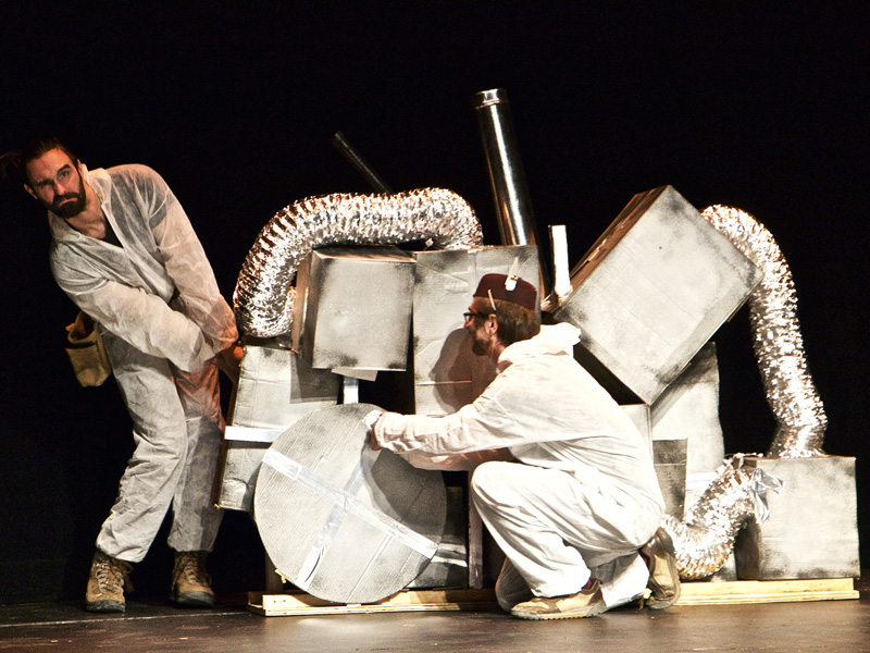 Performers wrestle with an unwieldy creation.