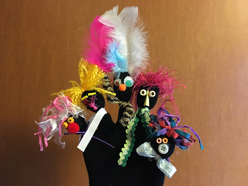 Puppet Pop-Up Studio: Family Finger Puppets