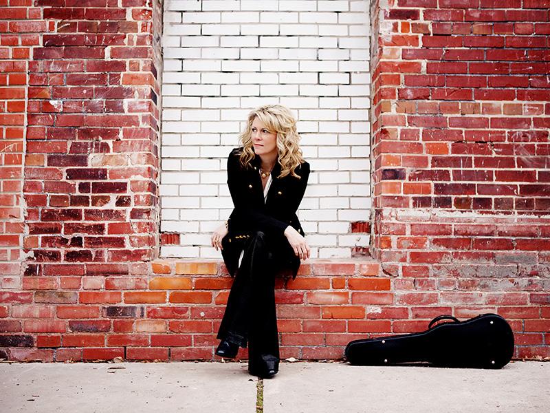 Photo of Natalie MacMaster