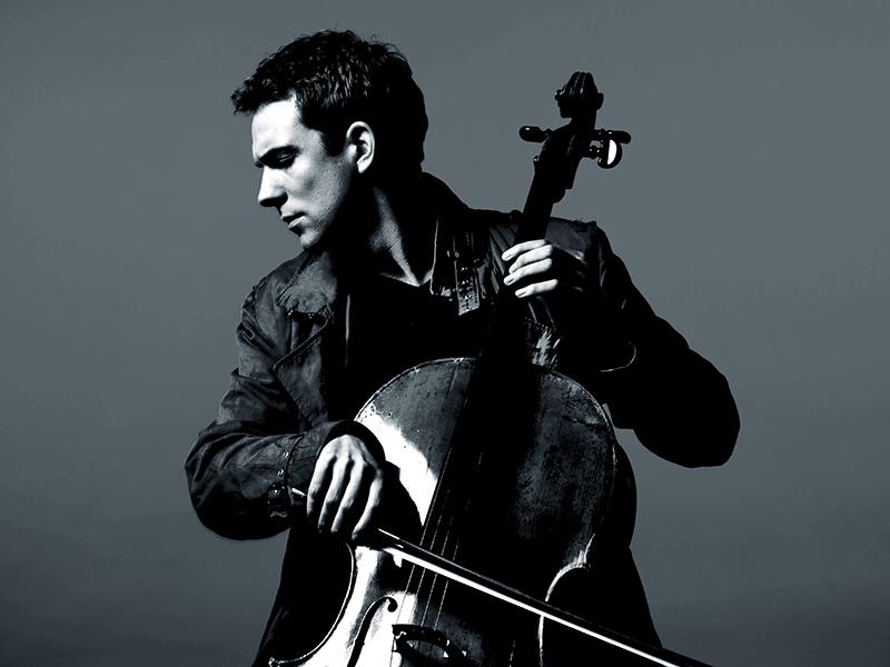 Photo of cellist Johannes Moser