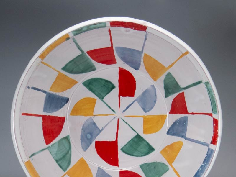 A photo of a hand painted cermaic bowl by Martina Lantin